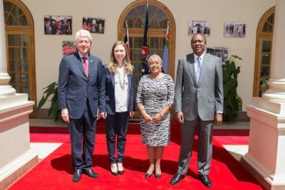 President Uhuru Kenyatta with former United States of America President Bill Clinton (file photo).