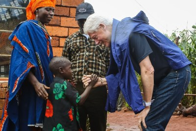 On April 29, President Clinton visited the Clinton Development Initiative's Ngongwa Anchor Farm. He then visited Wazia Chawala and her son at their home. Wazia runs a CDI demonstration plot where she shows other members of the community the techniques that help her increase her output and improve her income.