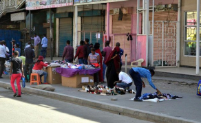 Shop Owners, Hawkers Clash Over Shopping Space in Nairobi