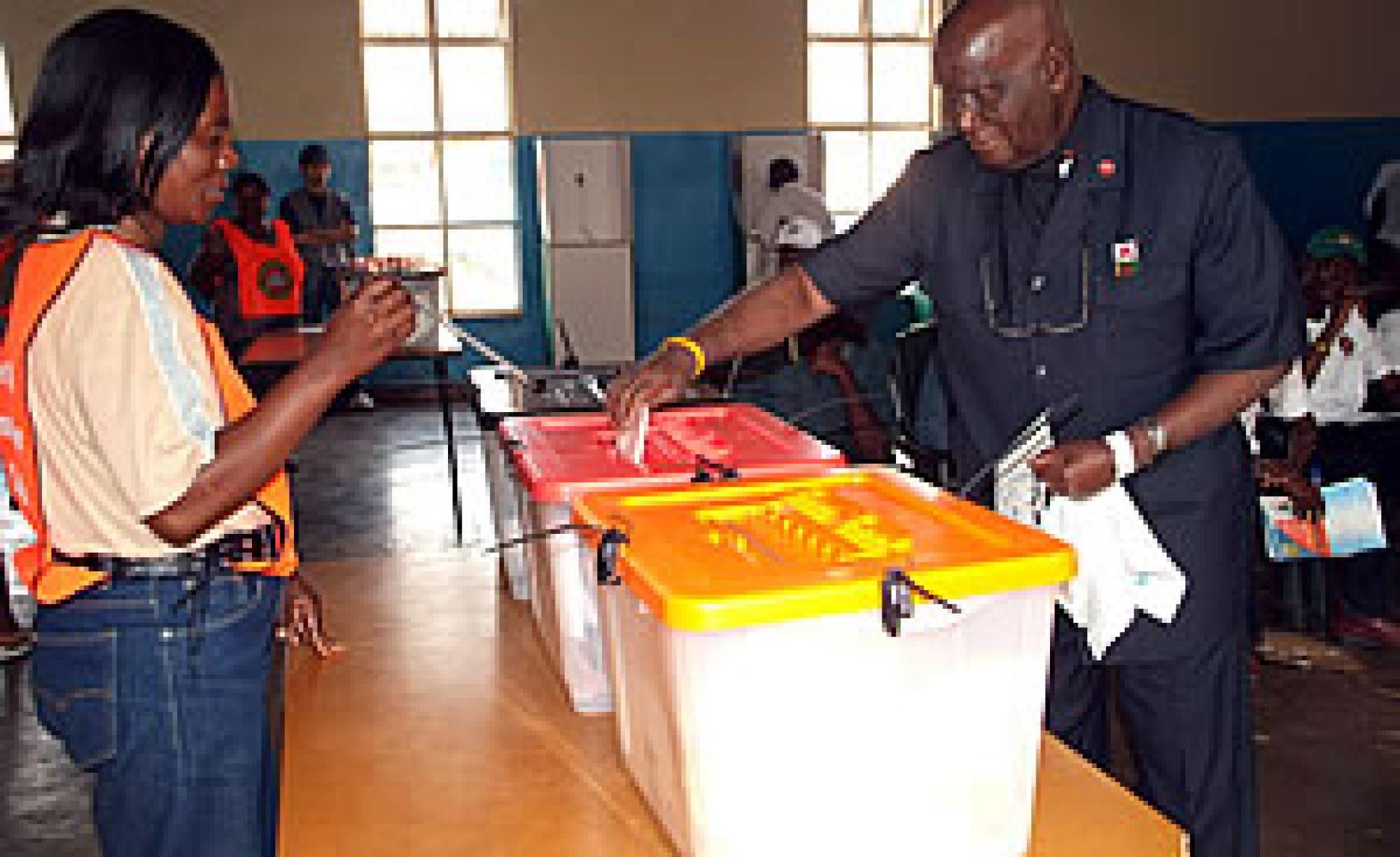Zambia: Former Zambian President Kenneth Kaunda Hospitalised ...
