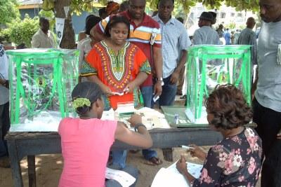 Voting in Lagos (file photo).