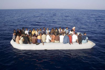 Embarcation d'immigrants africains