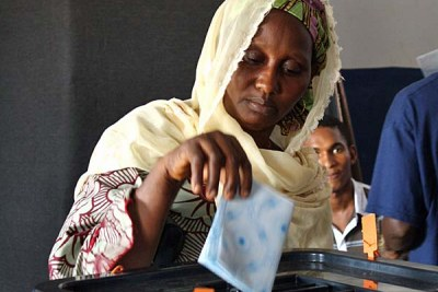 Voting in Conakry, June 2010.