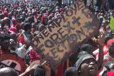 Thousands of Malawians took to the streets to protest against the government (file photo).
