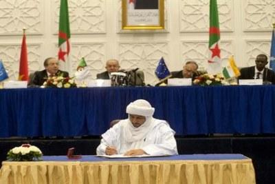 Paraphe par la CMA de l'Accord d'Alger