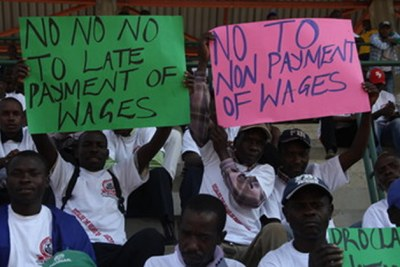 Zimbabwe workers strike (file photo).