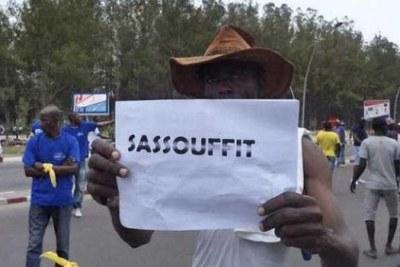 Protesting against the referendum.