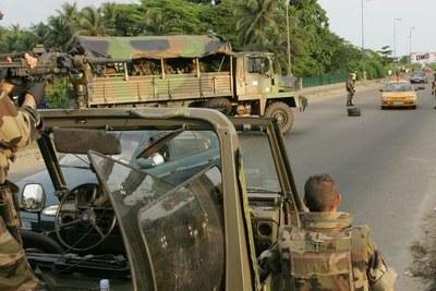 (Photo d'archives) - Présence de l'armée française dans une ville africaine.