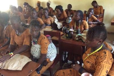Des filles pensionnaire du Centre d'autonomisation et de promotion féminine (Capf) de la Guinée Conakry