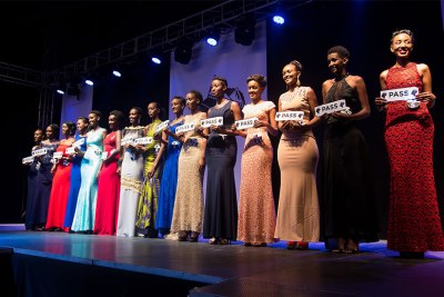 The 15 finalists for Miss Rwanda 2017 pose for a group photo.