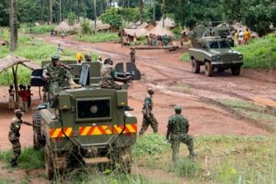 (archives) - Soldats de la Force de défense populaire ougandaise en République centrafricaine.