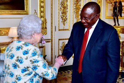President Cyril Ramaphosa shakes hands with Her Majesty Queen Elizabeth II.
