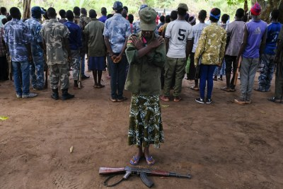 Nawai (le nom a été modifié), âgée de 15 ans, participe à une cérémonie de libération d'enfants des rangs de groupes armés à Yambio, au Soudan du Sud.