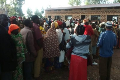 Les électeurs au référendum au Burundi le 17 mai.