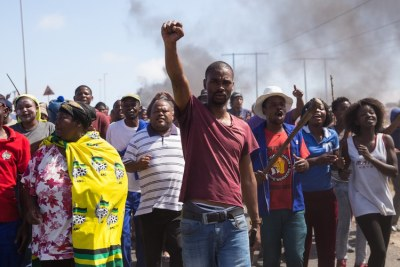 Over a thousand residents protested along Southern Bypass Street in Vredenburg.