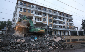 Kenyan Hotel Endangering UN Offices, U.S. Embassy Demolished