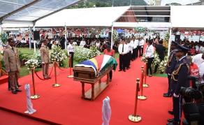 Le plus ancien président des Seychelles inhumé lors de funérailles