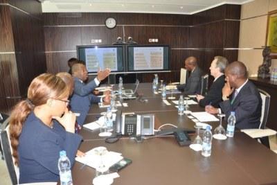 Le ministre ivoirien du Tourisme et des Loisirs a présenté et échangé avec le vice-président de la Banque africaine de développement sur la Stratégie nationale 2018/2025.