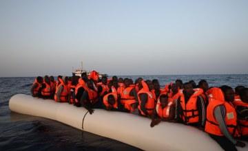 Equation sur le débarquement des 356 rescapés secourus en Mer Méditerranée
