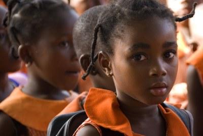 Des filles dans une salle de classe au Ghana.