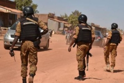 Des gendarmes burkinabé