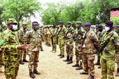 Les chefs d'état-major des armées du Burkina et de la Côte d'Ivoire ont félicité et encouragé les troupes déployées sur le terrain.