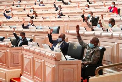 Approbation du nouveau code de procédure pénale en angola