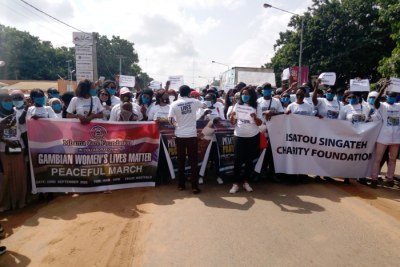 "Hundreds of people mainly women yesterday thronged the busy Kairaba Avenue road protesting over what they described the ""alarming rate"" of maternal mortality in the country."