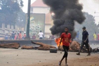 Violents heurts entre manifestants et policiers à Conakry