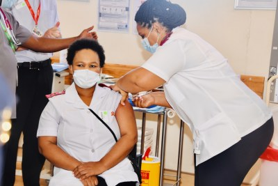 Nurse Zoliswa Gidi-Dyosi, the first healthcare worker in South Africa to receive the Johnson & Johnson Covid-19 vaccine (file photo).