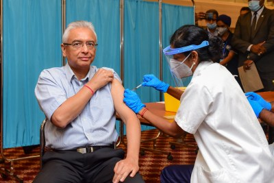 Mauritius Prime Minister Pravind Kumar Jugnauth receives Covid-19 vaccination.