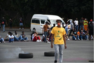 Students at the University of Johannesburg blocked the roads at Auckland Park campus on March 15, 2021.
