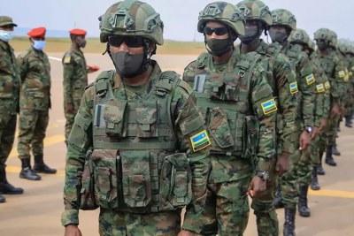 Les troupes rwandaises embarquent pour le Mozambique.