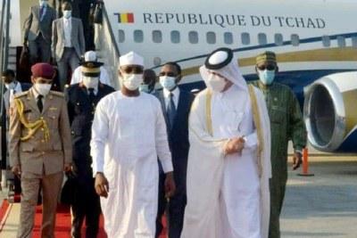 A l'invitation de l'Emir du Qatar son Altesse Cheikh Tamim Ben Hamad Al-Thani,le Président de la République, le Général de Corps d'Armée, Mahamat Idriss Deby Itno,  est arrivé à Doha, la capitale  ce 12 septembre 2021, en début de soirée, pour une visite officielle d'amitié et de travail de 48 heures.